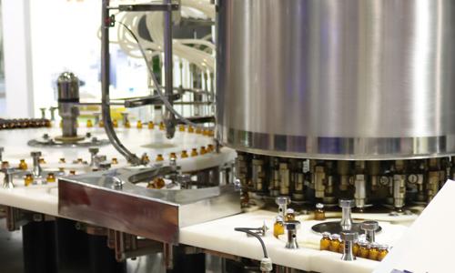 """""""机器人""""让制造业如虎添翼,在制药领域也将大有可为"""